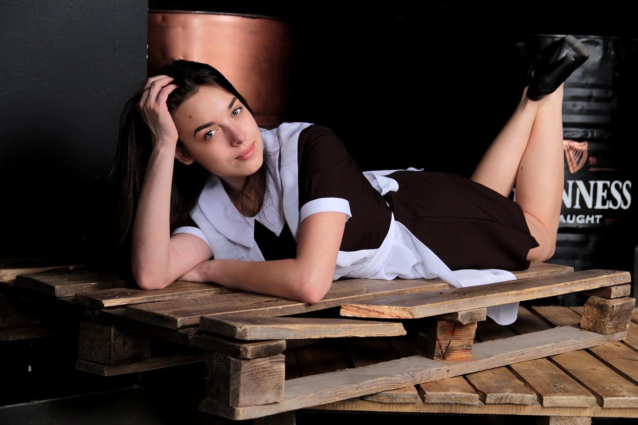 schoolgirl-2326506_1280